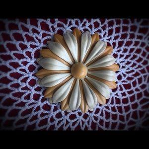 🦋3 for 20🦋Vintage flower brooch